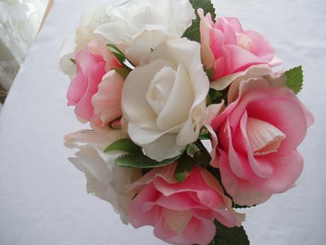kytice-růžovo-bílé růže,