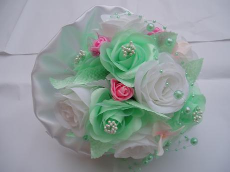 kytička mint-růžová-bílá,