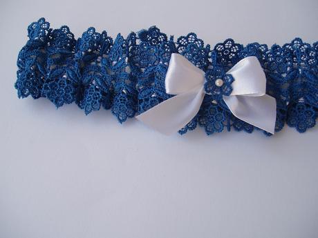 modrý podvazek s mašličkou, 38