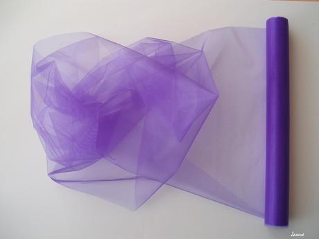 organza fialová,