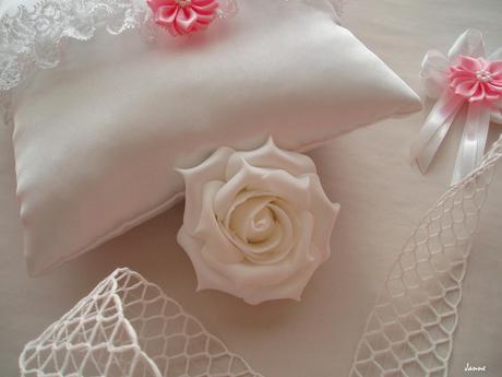 pěnová růže bílá,
