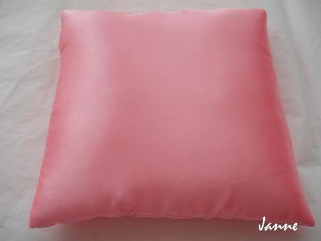 polštářek k dozdobení-růžový,