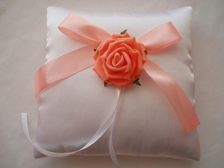 polštářek pod prstýnky-růže,