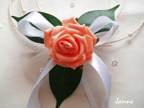 rozkvetlá kapota-lososová růže,