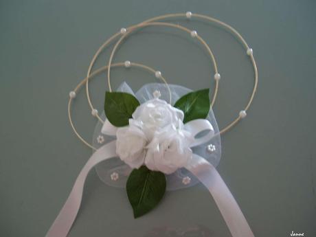 rozkvetlá kapota pro nevěstu,