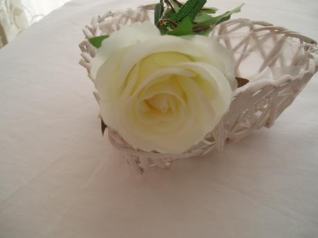 růže na stonku-smetanová,