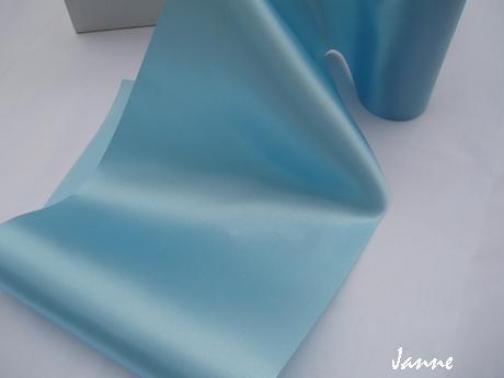 satén 16 cm-modrý,
