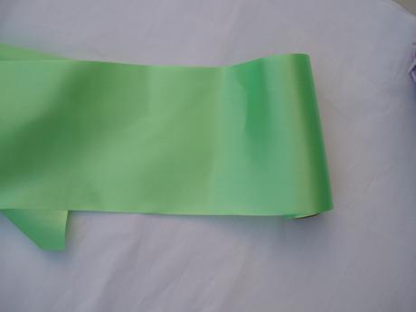 saténový pás-zelený 2,