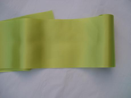 saténový pás-zelený,