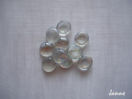 skleněné kamínky-průhledné,