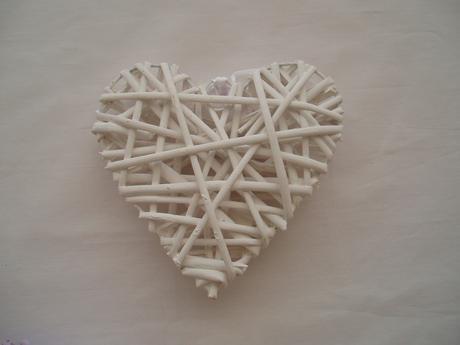 srdce z proutí-bílé,