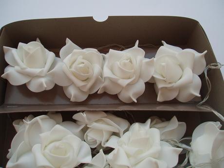 světelná girlanda-růže,