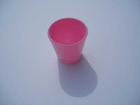 svícen skleněný-růžový,