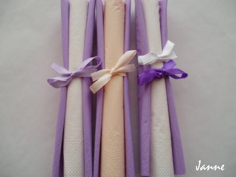 ubrousky lila-bílé,