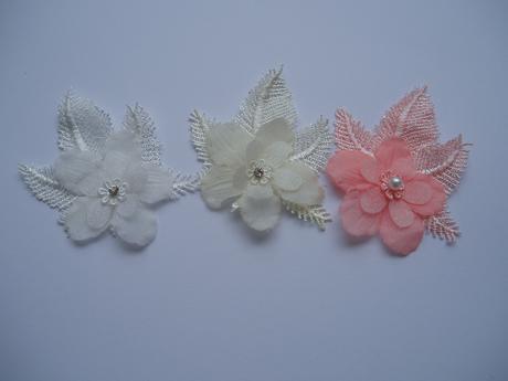 vývazek květina-smetanová,