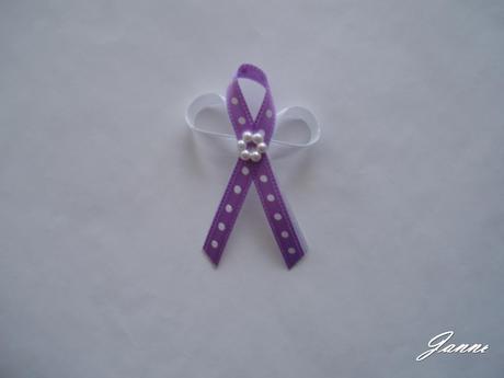 vývazek-puntík lila,