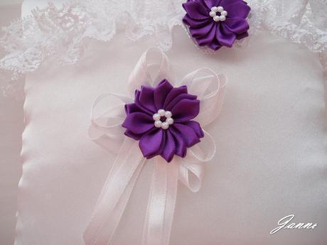 vývazek s kytičkou-fialová,