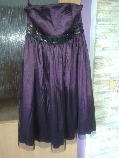 Fialové korzetové šaty, 42