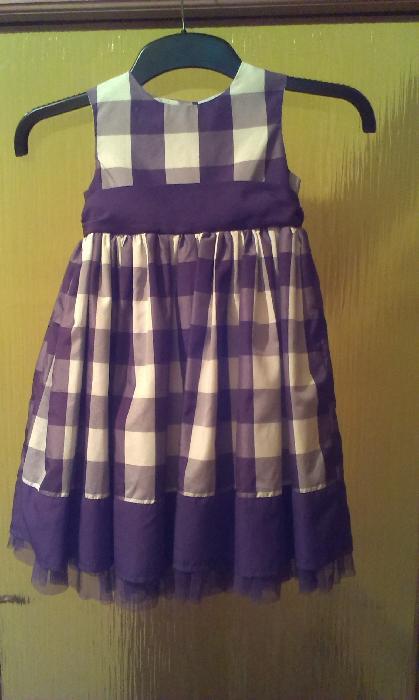 fialové šatičky ,