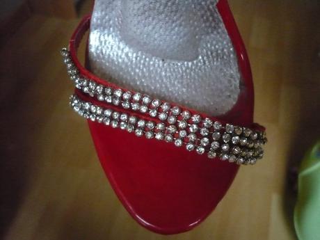 krásne červené sandálky, 36