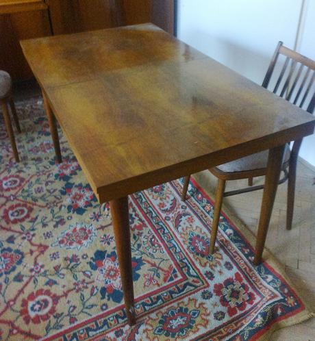 Retro stôl so stoličkami ,