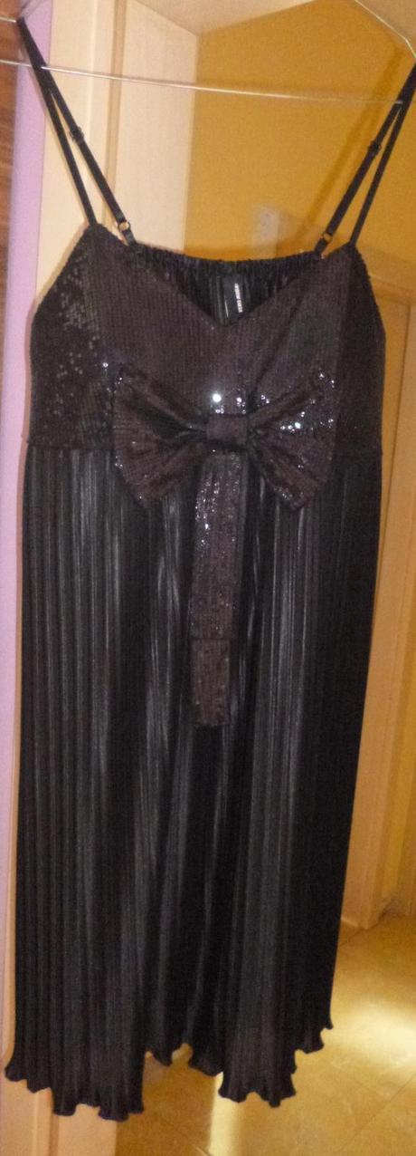 Spoločenské šaty s flitrami , M