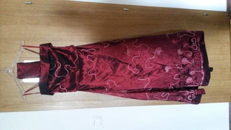společenské dlouhé šaty, 40