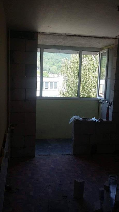 Trojdielne okno,