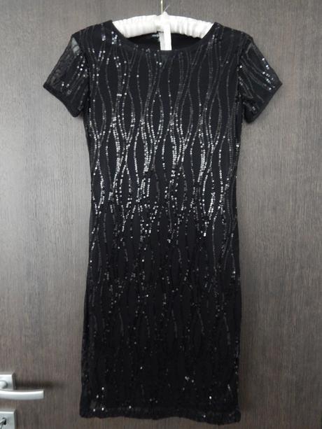 Neoblečené šaty, 36