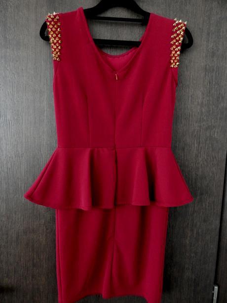 Peplum šaty, S