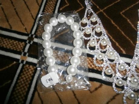 náhrdelnik + náušnice,