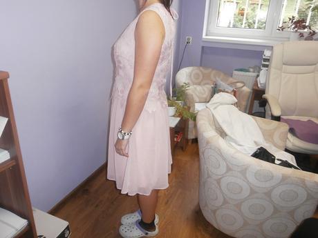 šaty 42, 42