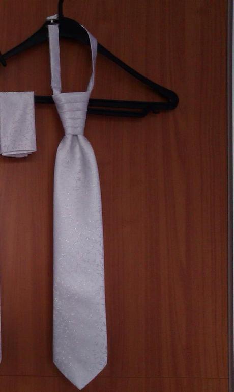 Svadobná kravata s vreckovkou,