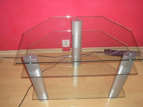 stolik skleneny pod tv,