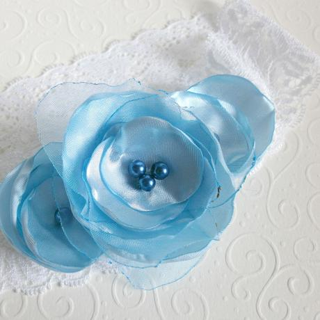 Podvazek pro nevěstu, světle modrý, krajkový, 36