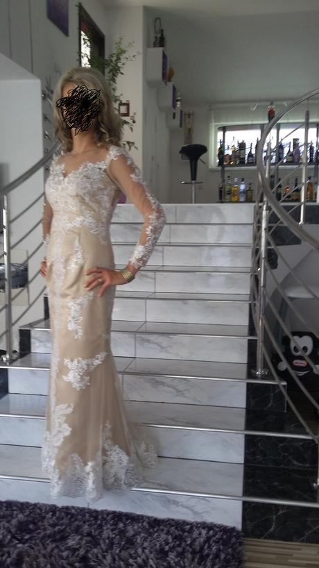 Luxusné šaty, 36