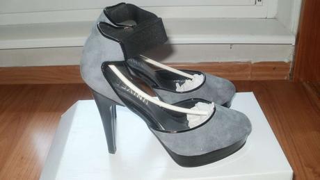 Nenosené sivé topánky Univers na platforme, 36