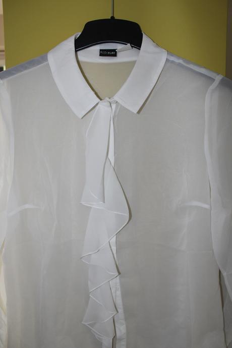 Bílá halenka košile s volánem, 40