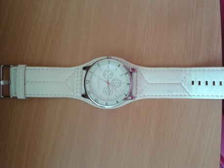 Bílé dámské hodinky Alain Miller,