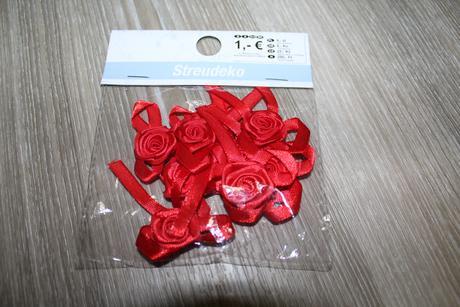 Červené růžičky pro dekoraci - 8 ks,