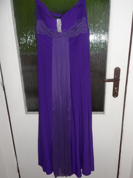 Dlhé fialové šaty, M
