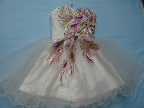 Popůlnoční svatební šaty, 38