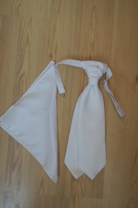 komplet vesta s kravatou a kapesníčkem, 50