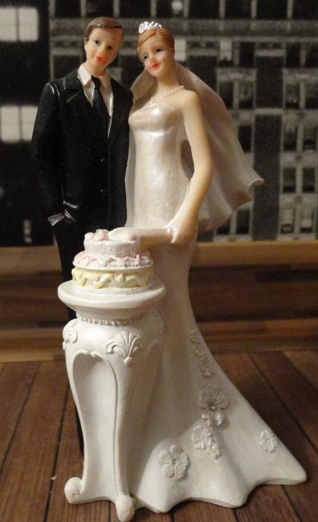 Doplňky na fialovou svatbu,