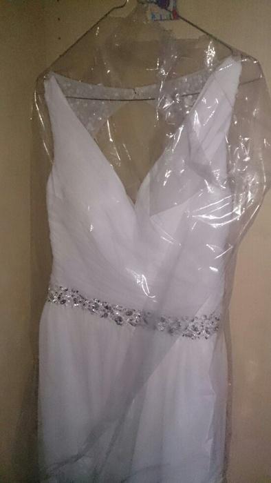 Svatební šaty s kamínky , 36