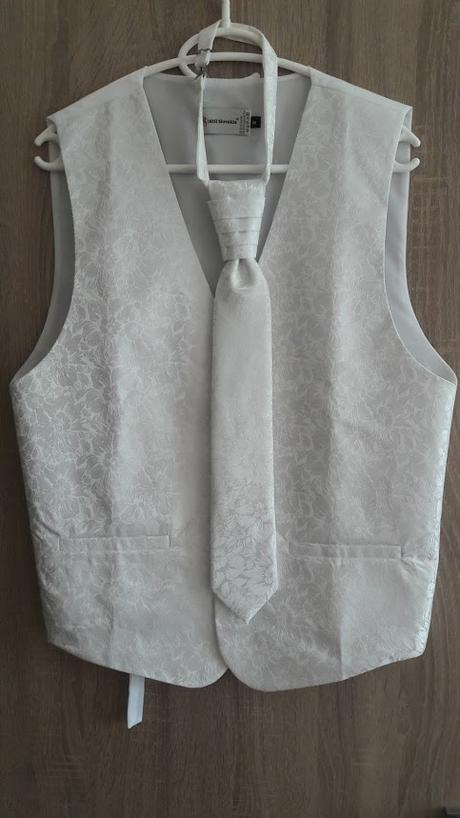 4-dielny set- vesta+kravata+vreckovka+manž.gombíky, 42
