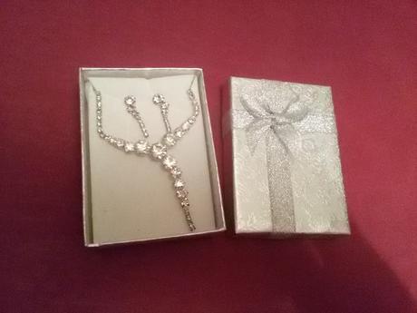 náhrdelník + náušnice,
