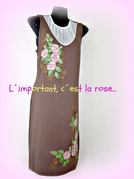 Jednoduché šaty s růžemi-sleva, 40