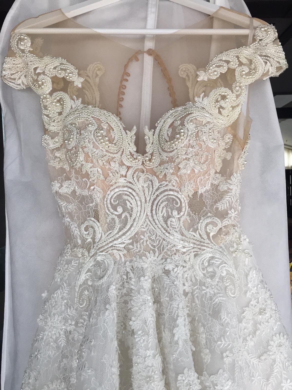 Exkluzívne svadobné šaty 8254058b863