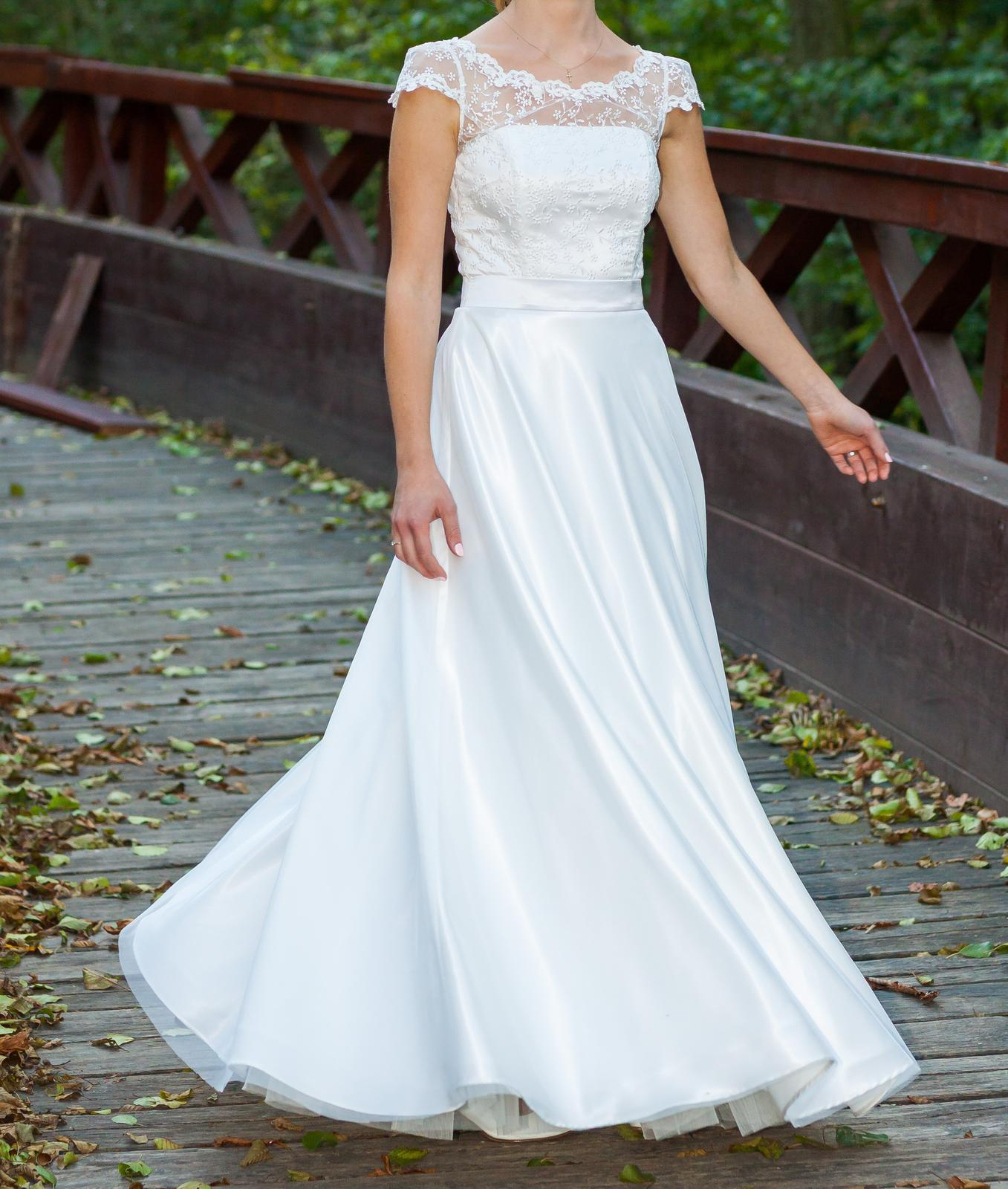 0b688e542e1d Svatební šaty